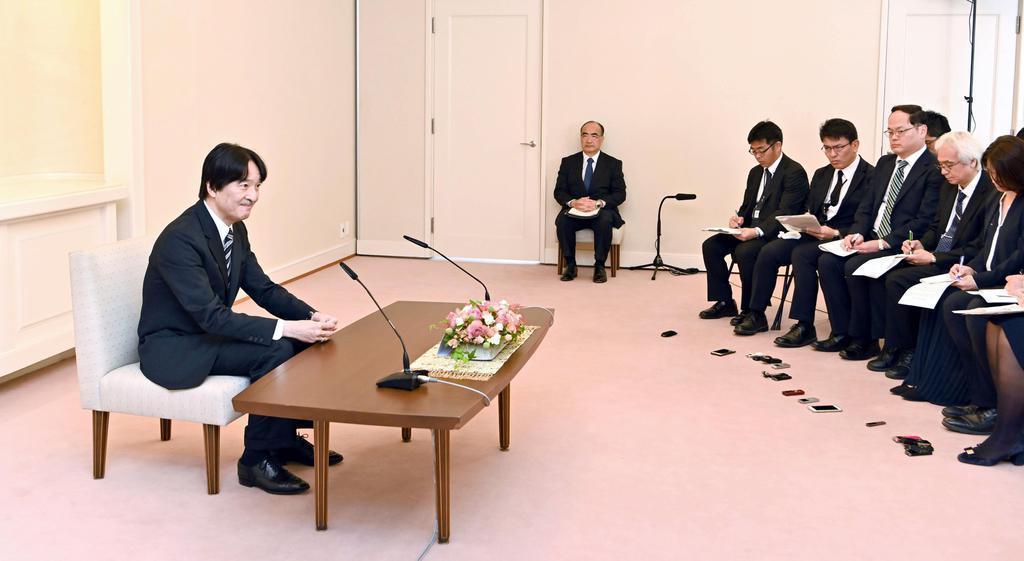 54歳の誕生日を前に記者会見される秋篠宮さま=20日、東京・元赤坂の赤坂東邸(代表撮影)