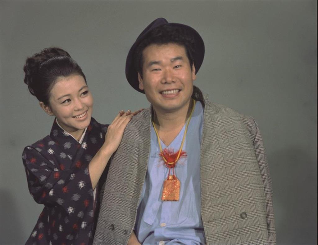 テレビ版『男はつらいよ』で寅さんの渥美清(右)とさくら役の長山藍子(BSフジ提供)