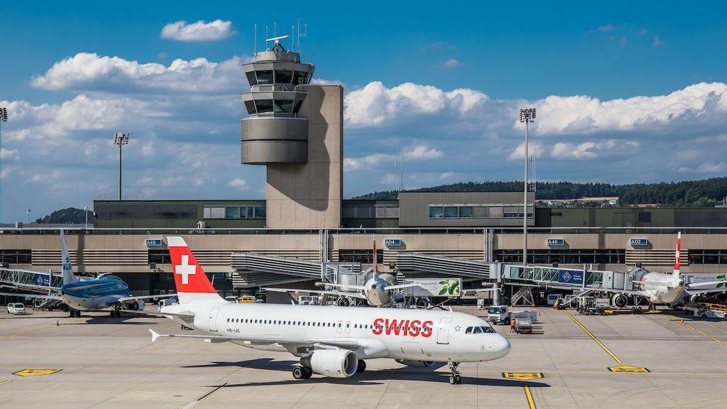 飛行機が着陸するときに騒音が少なくなる着陸手法を探る試験がチューリッヒ空港で実施された。ANDREAS HAAS/GETTY IMAGES