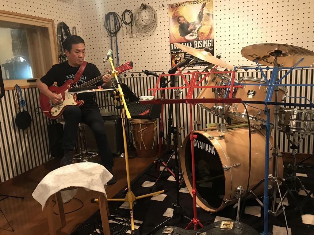 BOROの自宅スタジオ。ここで楽曲が誕生する=神戸市北区