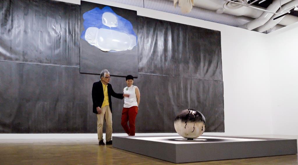 ポンピドー・センターで開催された松谷武判さんの作品(撮影・藤原次郎)