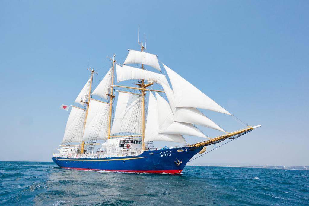JAMSTECの千葉早苗さんが乗り組む伴走艇「みらいへ」。パラオには年明けの1月14日に到着する(みらいへ提供)