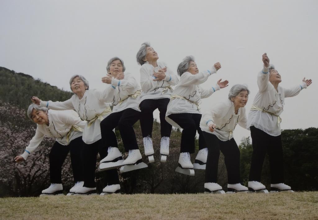 フィギュアスケートのジャンプを決めた連続写真(c)KimikoNishimoto