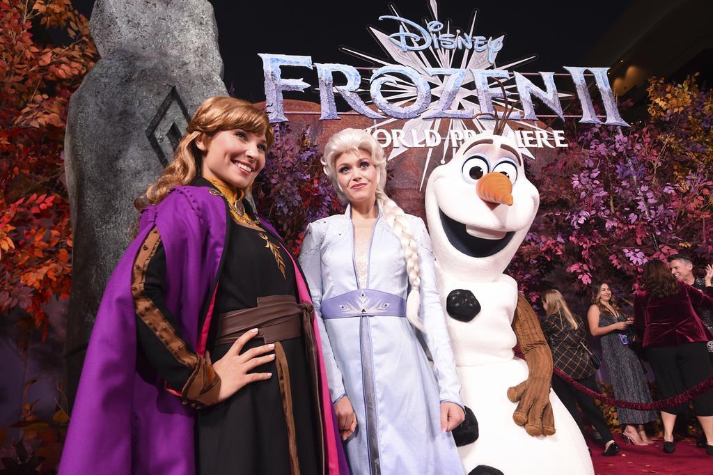 世界で大ヒットを記録した「アナと雪の女王2」のワールド・プレミア=11月7日、米ロサンゼルス(AP)