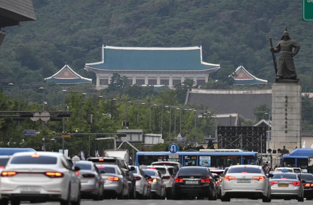 韓国の大統領官邸(ソウル支局撮影)