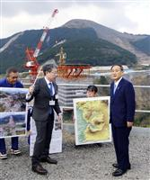 菅長官、熊本地震被災地を訪問「地域のにぎわい取り戻す」