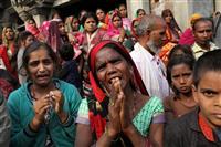 性的暴行の女性、出廷途中に火を付けられ死亡 インドで抗議活動拡大
