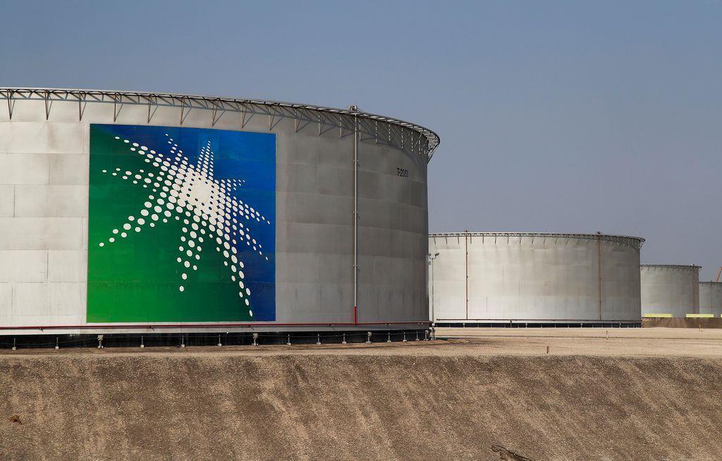 サウジアラビアにあるサウジアラムコの石油貯蔵施設=10月(ロイター)