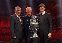 デシャン監督と2022年まで延長 サッカーのフランス代表