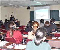 子供をSNS犯罪から守るには 栃木県警が安全教室