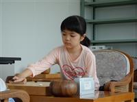 囲碁の仲邑菫初段が15勝目 男性棋士に勝利