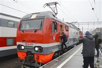 ロシア本土とクリミア結ぶ鉄道橋開通 併合の既成事実化狙う