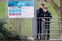 パリ近郊で刃物襲撃、3人死傷 警察は男を射殺