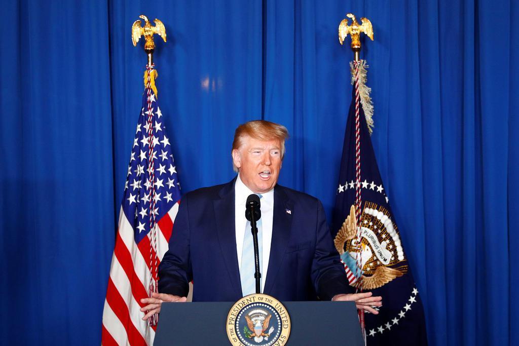 イランのソレイマニ司令官殺害について話すトランプ米大統領=3日、米南部フロリダ州(ロイター)