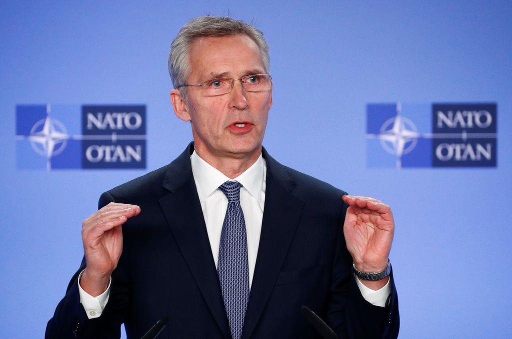 会見するNATOのストルテンベルグ事務総長=6日、ブリュッセル