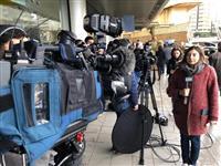 ゴーン被告、日本メディアを大半制限 会場周辺に報道陣多数