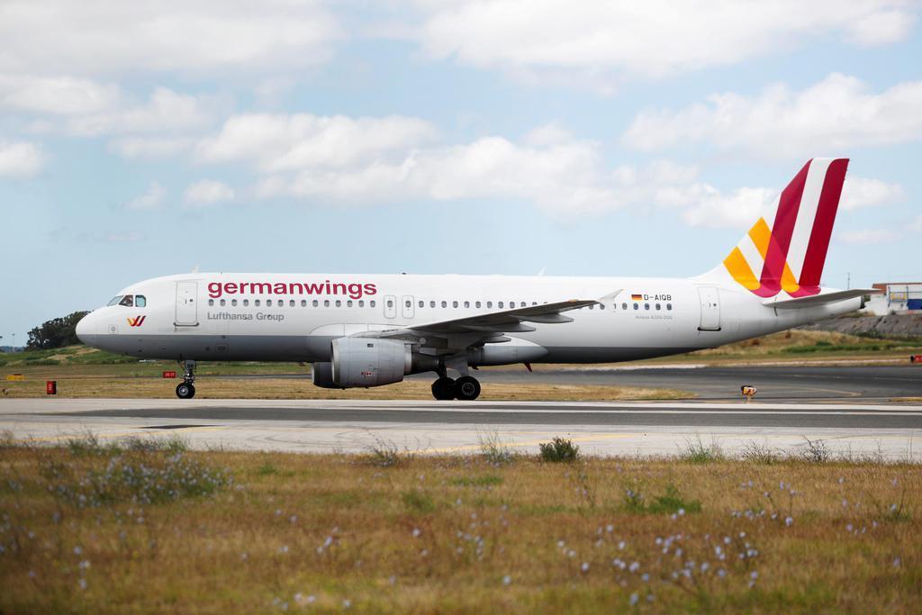 エアバスの小型旅客機A320=2018年7月、リスボン(ロイター)