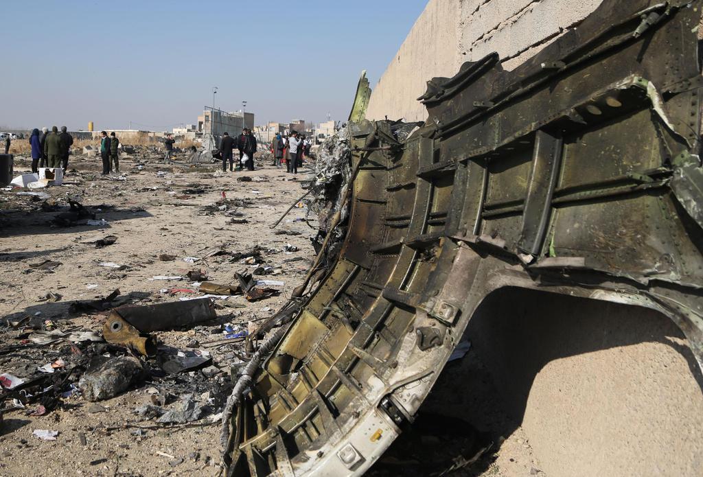 イラン政府「戦争回避したい、そうだ、旅客機にミサイル打ち込んだろ」  ドカーン