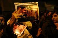 英国の駐イラン大使が一時拘束 英外相が抗議