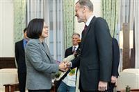 台湾・蔡総統、日米などとの連携強調 武器売却を要請