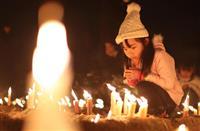 【動画・阪神大震災25年】冥福祈る6434本の明かり 兵庫・伊丹の昆陽池公園