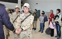 ジブチ派遣の陸自隊員 家族らに見送られ新千歳空港を出発