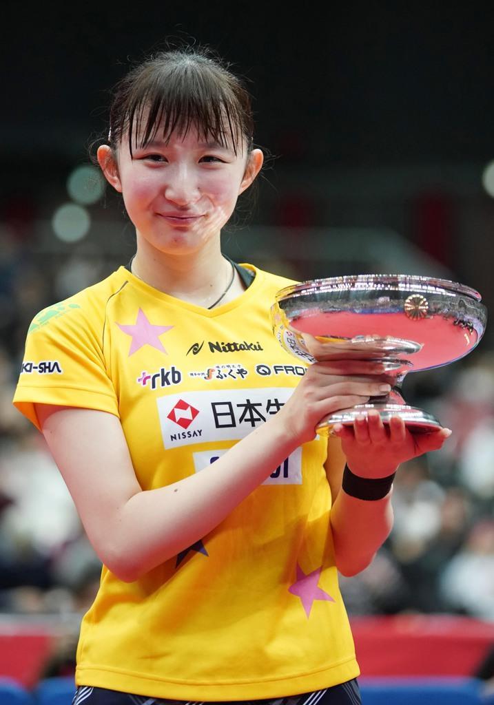 早田、涙の初V 五輪代表の伊藤と石川を連破