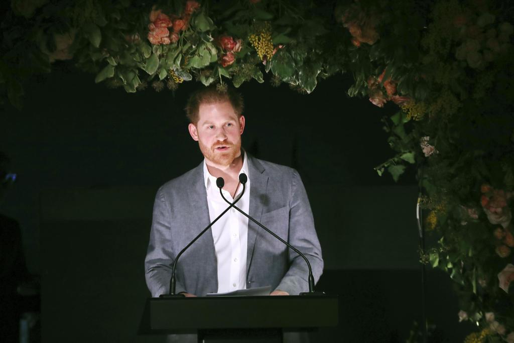 19日、ロンドンで演説するヘンリー王子(ゲッティ=共同)