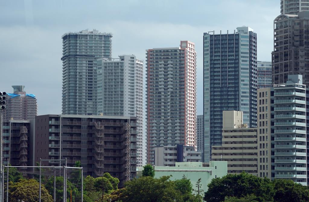 マンション首都圏発売戸数、27年ぶり低水準