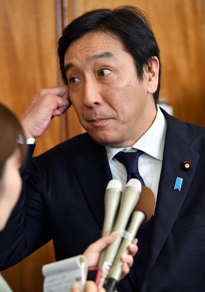 菅原前経産相、疑惑の説明「やったつもり」