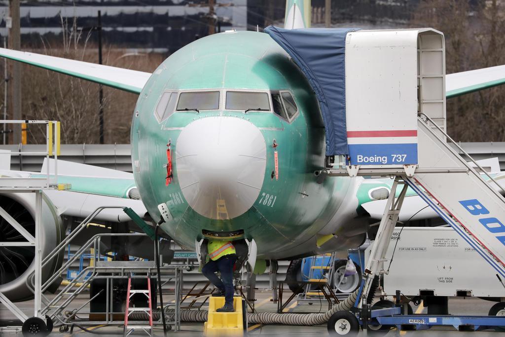 737MAX夏まで停止 需要期の運航に影響