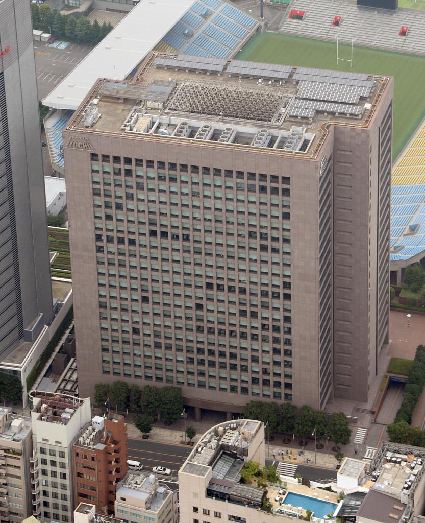 東京都港区にある伊藤忠商事の本社ビル(本社チャーターヘリから、川口良介撮影)