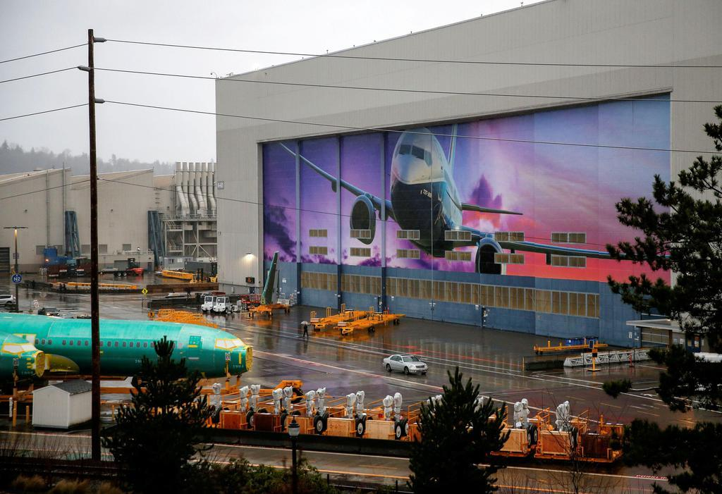ボーイング、生産再開急ぐ 737MAXで新CEO