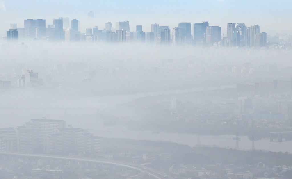 近畿の広い範囲で濃霧 気温も上昇