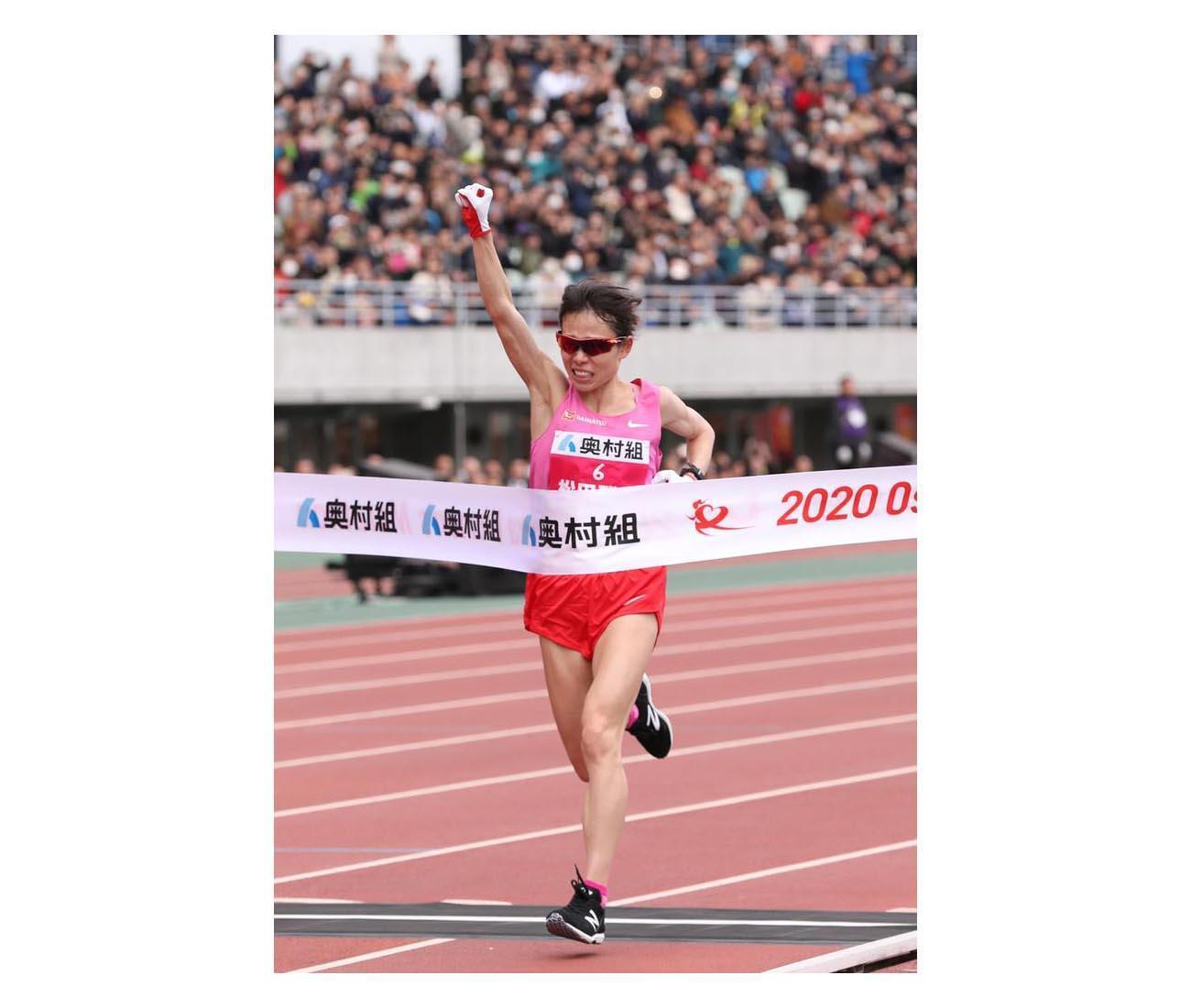 第39回大阪国際女子マラソン 優勝する松田瑞生=26日、ヤンマースタジアム長居(鳥越瑞絵撮影)