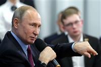 プーチン大統領「改憲は実権維持のためではない」 批判的世論を考慮か