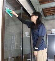 汚れにくい窓ガラス 障害者の清掃サービス好評