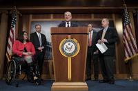 米上院で対イラン軍事行動制限決議案が可決 与党から8人賛成