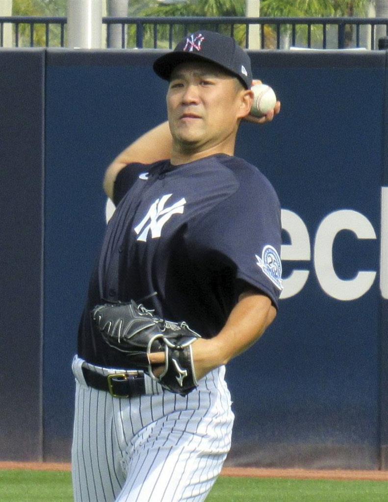 田中がキャンプ初のブルペンで30球、「集中力を保って投げられ…