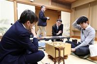 藤井七段、羽生九段に勝利 将棋・王位リーグ