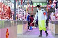 中国の新型肺炎死者2004人に 重症者1万2000人に迫る
