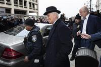 トランプ氏盟友に禁錮3年 ロシア疑惑巡り偽証罪