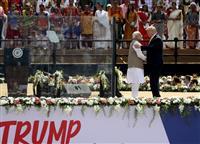 「米国はインドを愛す」 トランプ氏初訪印 中国念頭に連携強化