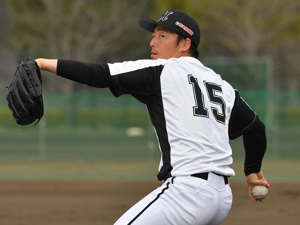 開幕投手に指名されたロッテの美馬学投手=宮崎県生目の杜運動公園(撮影・今野顕)