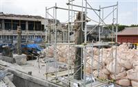 大龍柱の応急処置に着手 首里城、修復作業を公開へ