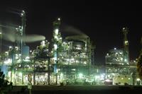 まるでSF映画 観光資源となった「工場夜景」のいま