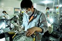 中国の1~2月の輸出は17%減 「新型コロナと春節休暇延長が影響」