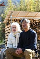 【一聞百見】「人生の秋」夫婦で寄り添い ハーブ研究家 ベニシア・スタンリー・スミスさん…