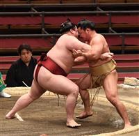 「おにぎりくん」隆の勝、快勝で9勝目 大相撲春場所11日目