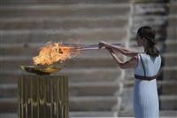 東京五輪聖火、日本側に引き継ぎ 異例の無観客